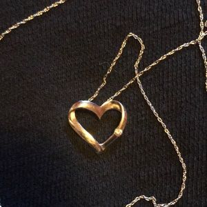 KAY JEWELERS 10K Heart Necklace with Small Diamond